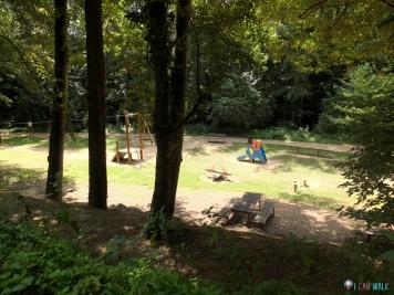 parque infantil de la zona de picnic