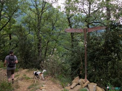 """entrada al sendero indicada """"Salt del Molí"""""""