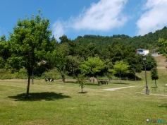 llegamos a Vidrà. Zona de picnic