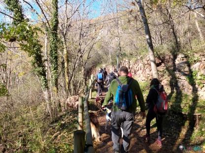 Bajando con el grupo a les fonts del Llobregat